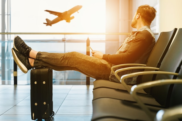 Contoh Announcement di Bandara Delay