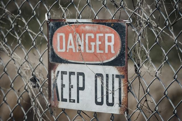 Contoh warning sign 10