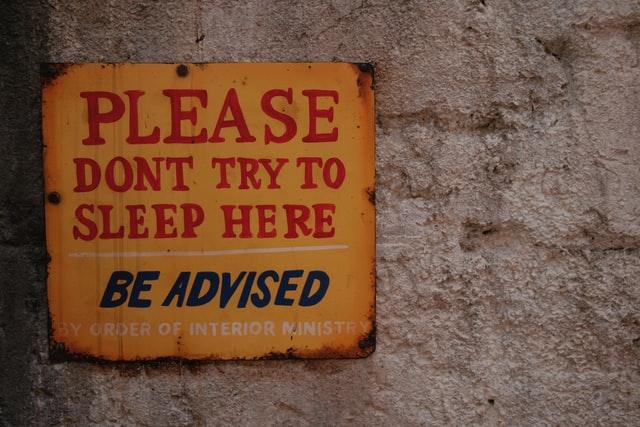 Contoh caution sign 16