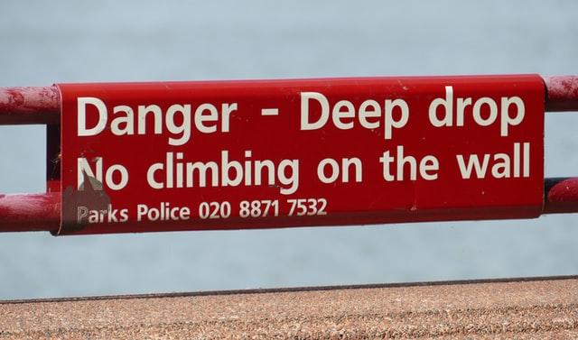 Contoh warning sign 2