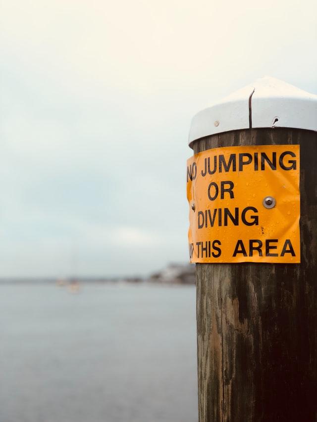 Contoh caution sign 3