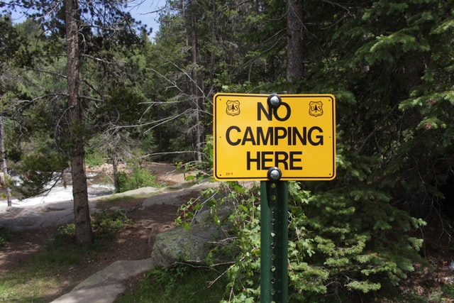 Contoh caution sign 8