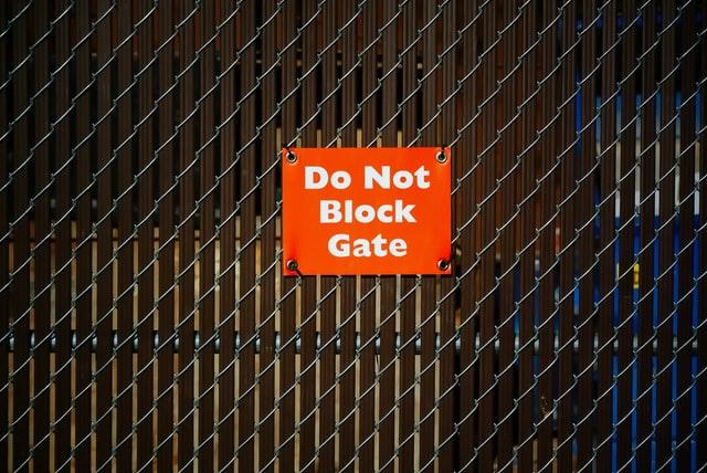 Contoh warning sign 8