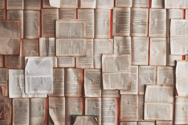 Contoh Paragraf Narasi; Pengertian, Ciri, dan Cara Menulisnya