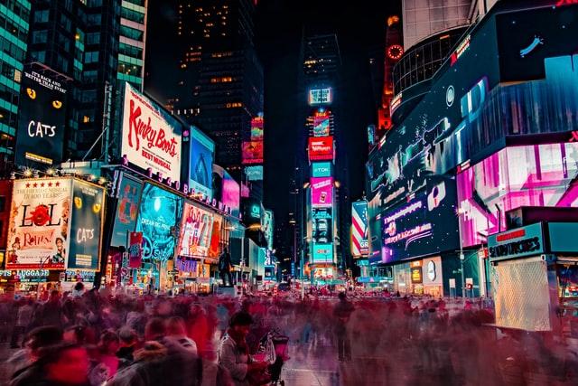 Reklame Adalah: Pengertian, Ciri-Ciri, Fungsi, Jenis-Jenis dan Contoh Reklame
