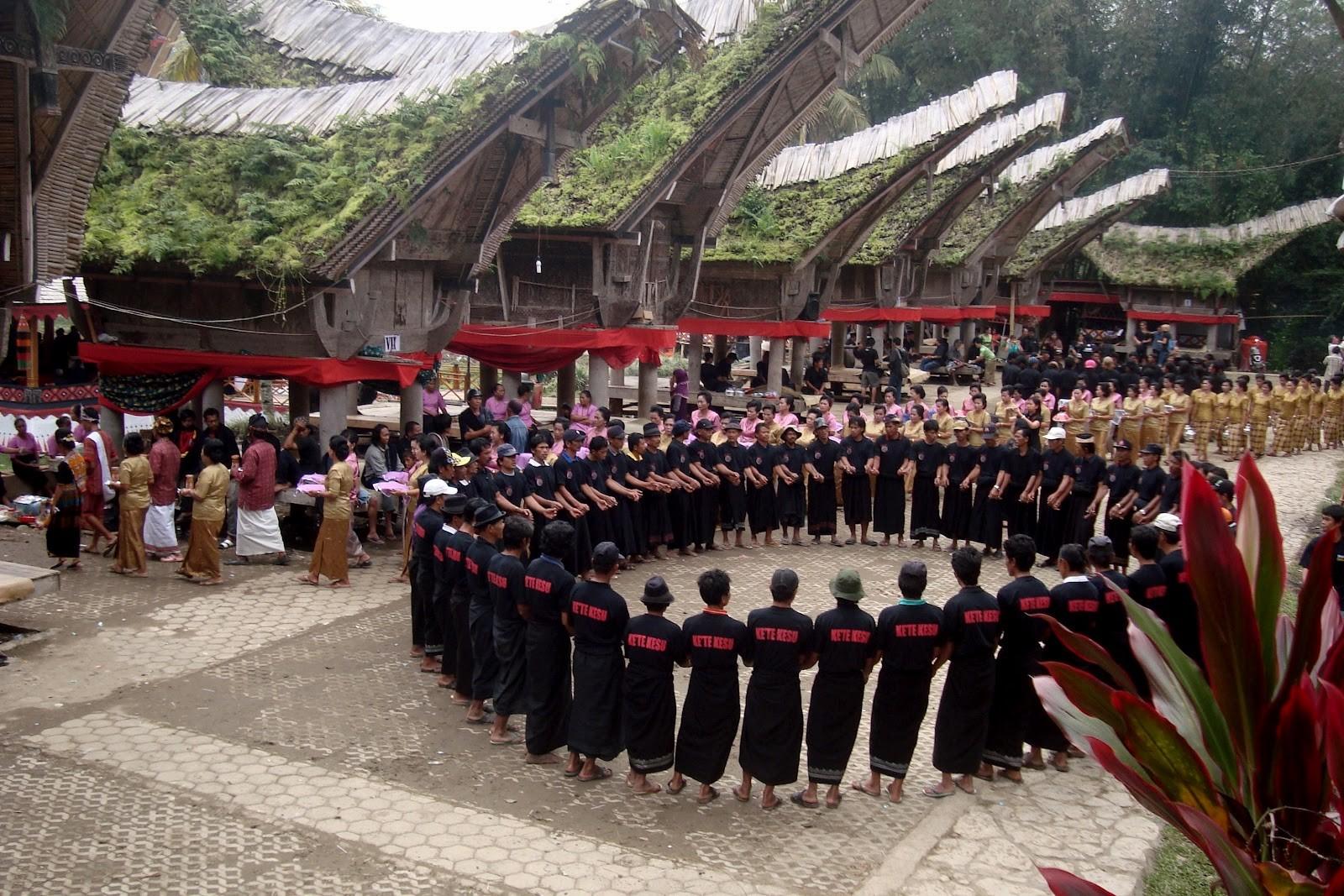 Contoh Pola Lantai Tari Ma'Badong Toraja